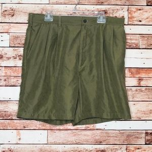 Pleated Green Men's Casual Shorts Size 38